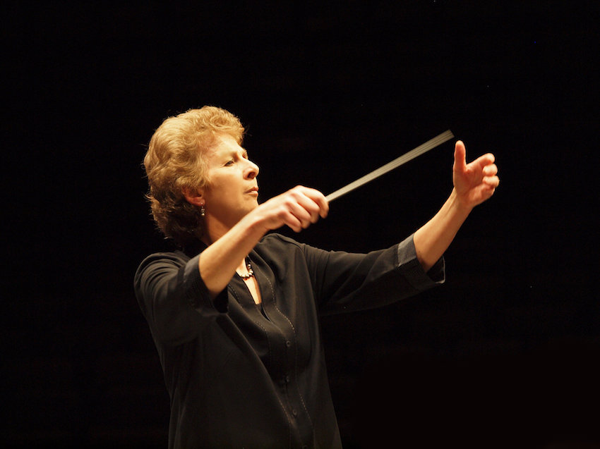 La directora británica Jane Glover debuta al frente de la Filarmónica de Gran Canaria con un monográfico dedicado a Haydn