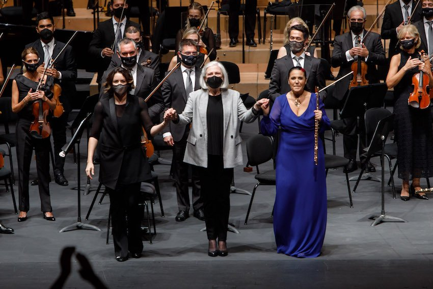 Alondra de la Parra al frente de la Sinfónica de Navarra, con obras de Catalán y Shostakovich