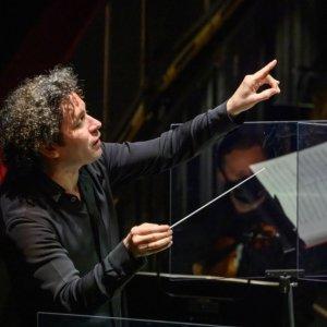 Gustavo Dudamel sustituye a Riccardo Frizza al frente de 'Otello' en el Liceu