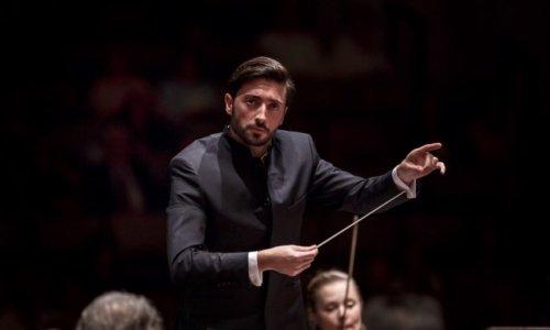"""Antonio Méndez dirige la """"Misa en do menor"""" de Mozart, al frente de la Orquesta y Coro de RTVE"""