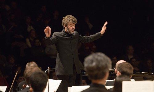 Pablo Heras-Casado, al frente de la Orquesta de París desde el Museo de Orsay