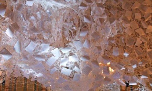 La música de Schubert y una instalación de Chiharu Shiota invaden la Sala Miralls del Liceu