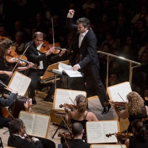 """David Afkham dirige la """"Segunda sinfonía"""" de Mendelssohn con la Orquesta Nacional de España"""