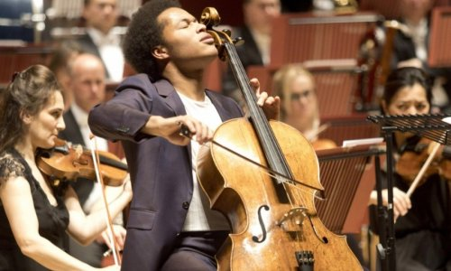 El violonchelista Sheku Kanneh-Mason, invitado solista en la apertura de temporada de la OBC