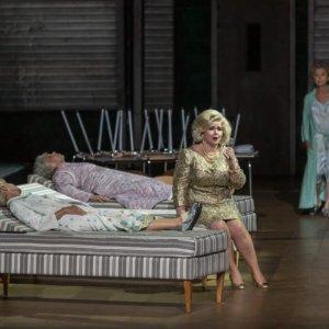 """Tara Erraught protagoniza """"Iphigénie en Tauride"""" en París, con la producción de Warlikowski"""